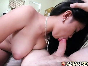 Asian Sex Diary - Asian beauty gets her pussy worked out