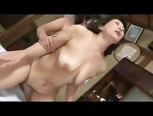 Japanese Mom TnH
